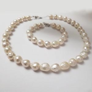 Colier clasic cu perle...