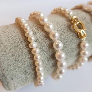 Bratara cu perle semiovale...