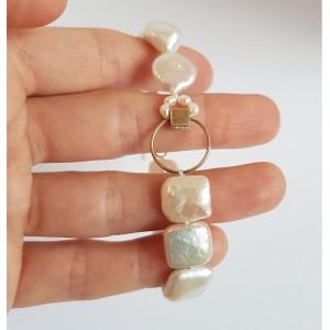 Bratara asimetrica cu perle...